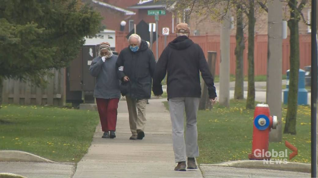 Click to play video: 'Fully vaccinated Ontario long-term care residents can now go on day or overnight trips'