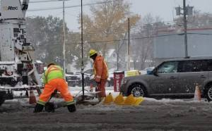 Crews work to fix downed light standard in Winnipeg storm