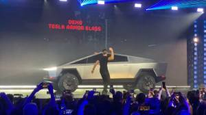 Tesla Cybertruck's 'armour glass' windows smash during demo