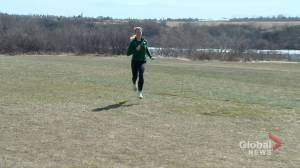 With Olympics in mind, Saskatoon track and field athlete shifts gears to cycling (01:58)