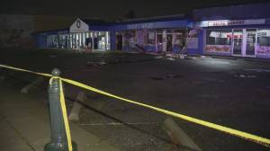 Ladner thrift shop damaged by fire (00:18)