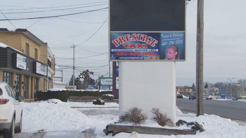 Châteauguay residents call for ridesharing service amid long wait times for taxis
