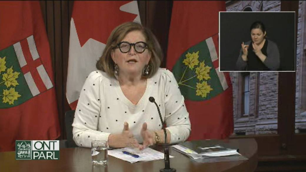 Click to play video 'Coronavirus: Ontario health official stresses importance of travel quarantine in wake of new variant'