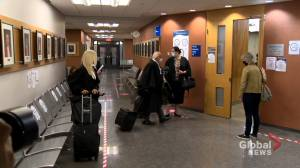 Quebec parents in court to fight required in-class attendance amid COVID-19 crisis (01:59)