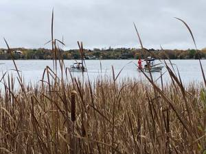 1 dead, 1 missing after fishing boat capsizes on Chemong Lake (01:38)