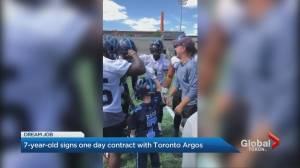 Toronto Argos sign 7-year-old fan (01:34)