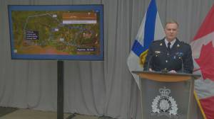 Nova Scotia RCMP reveal gunman eluded capture at first crime scene (02:00)