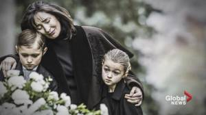 Teaching children how to grieve by example