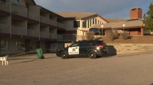 Suspicious fire Wentworth Manor under investigation by Calgary police