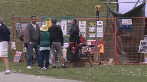Very low turnout for Sunset Beach anti-restriction protest (03:03)
