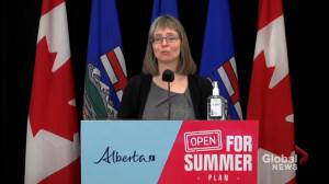 Alberta would look at other data to fully reopen, but 70% first dose threshold preferred: Hinshaw (00:56)