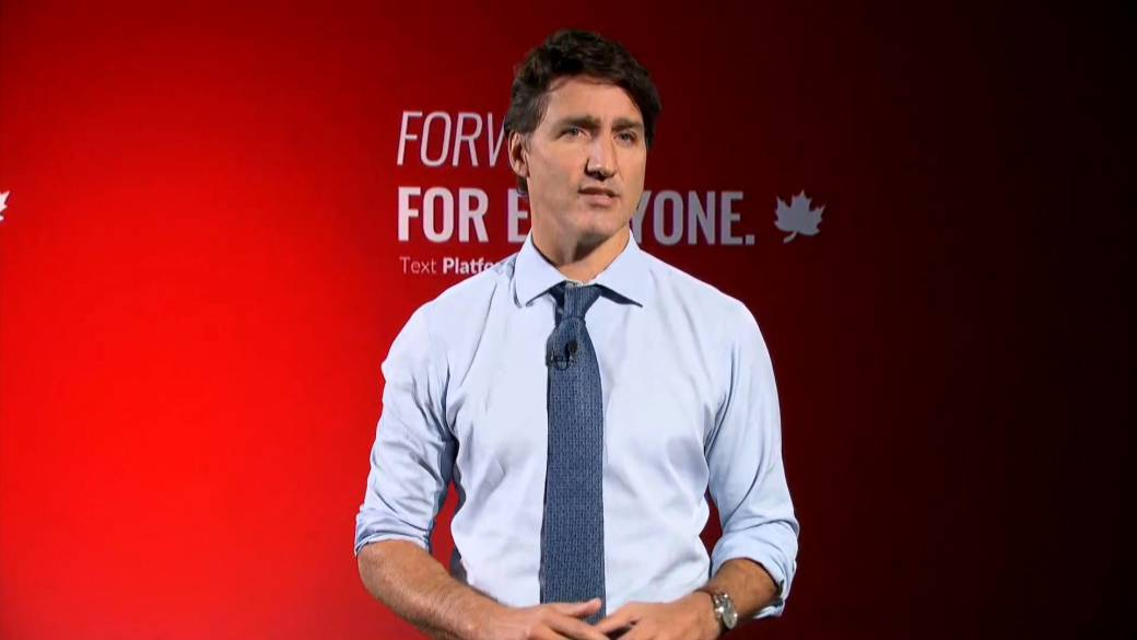 Click to play video: 'Canada election: Trudeau condemns 'disturbing anger' of anti-vax, anti-mask protesters'