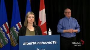 Alberta identifies 1,646 new COVID-19 cases on Thursday (00:38)