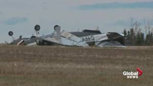 1 dead, 5 others injured after 2 plane crashes in less than 24 hours in Alberta (01:08)