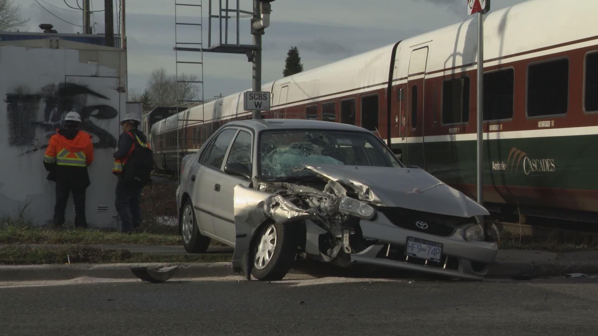 U.S. transport investigators probe Amtrak derailment that left 3 dead