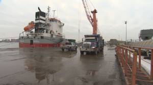 Port of Montreal workers furious over back-to-work legislation (01:51)