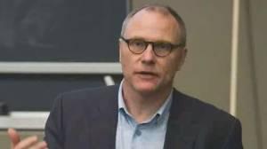 Canadian-born David Card wins Nobel Prize in economics (02:14)