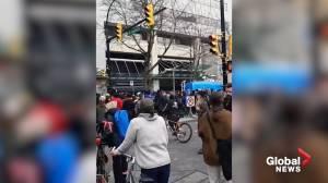 Demonstrators gather, chant in Vancouver for Wet'suwet'en solidarity protests (01:32)