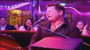 Cruise ship crooner goes virtual for at-home dinners (04:01)