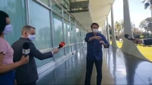 Brazilian Press Association to sue President Bolsonaro for putting reporters at risk of contracting coronavirus (02:05)