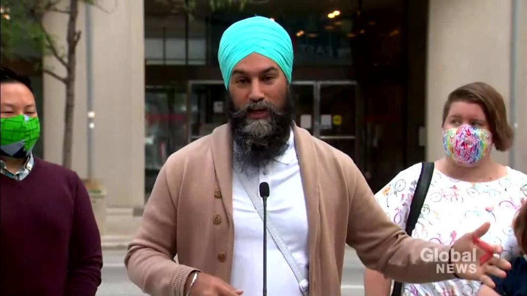 Click to play video: 'Canada election: Singh pledges to tackle high telecom costs in Canada'