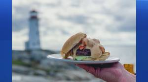 Halifax Burger Week: The Lighthouse Lobster Burger from The Sou'Wester (05:27)