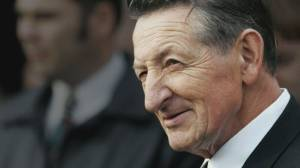 Walter Gretzky, 'Canada's hockey dad,' dies at 82 (04:18)