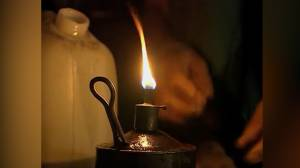 Around 800 million people living without electricity worldwide: report (02:16)