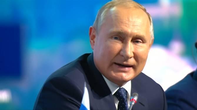 Russia, Ukraine exchange prisoners in landmark deal