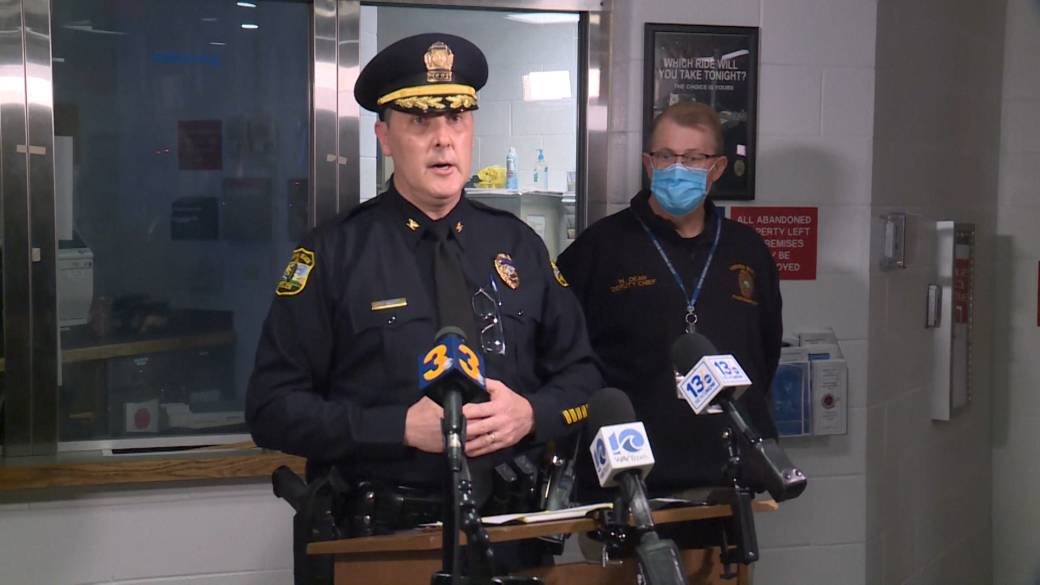 Click to play video: 'Virginia Beach police provide update on shootings'