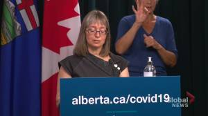 Albertans in their 20s, 30s urged to get their COVID-19 vaccine (02:39)