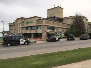 Shooting at northeast Calgary Holiday Inn under investigation