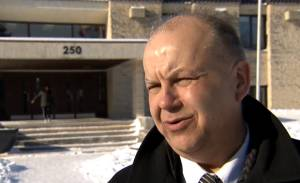 Superintendent and CEO of Winnipeg Mennonite Elementary and Middle Schools is in favour of  flashing school zone lights