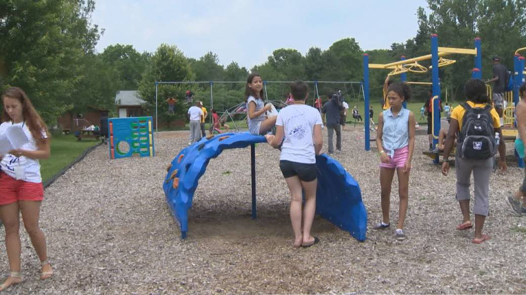 Click to play video: 'Ontario to open summer camps in July as vaccination eligibility expands ahead of schedule'