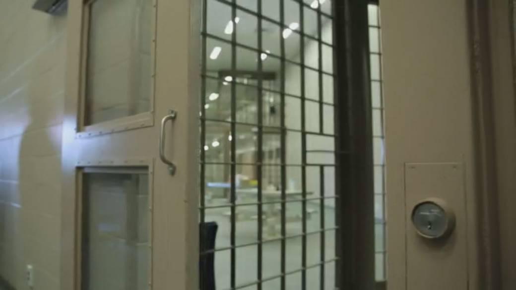 Click to play video 'Concerns grow as COVID-19 spreads inside Saskatoon jail'