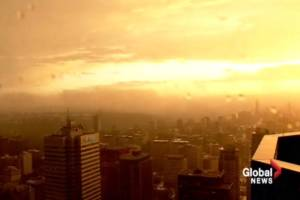 Time-lapse: Orange sky in Edmonton