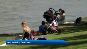 Heat warning remains in place for Calgary amid hot weather (02:07)