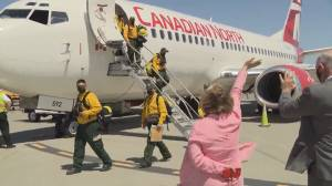Mexican firefighters arrive in B.C. as number of evacuees grows (01:53)