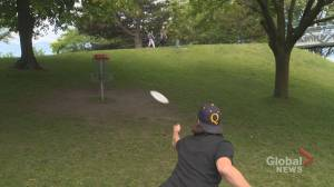 Disc golf soars in popularity during the pandemic (04:20)