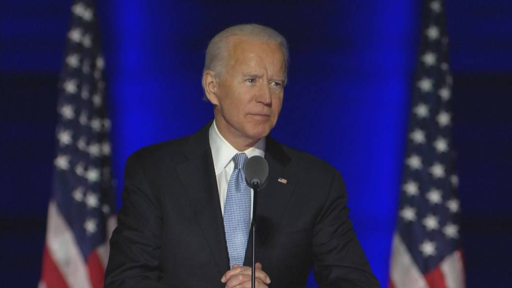 Click to play video 'How a Biden win impacts Canadians'
