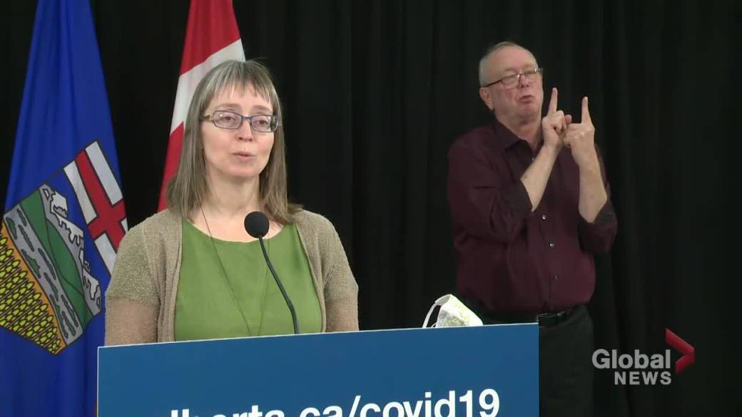 Click to play video 'Provincial or federal COVID-19 tracing app? Alberta's top doctor explains differences'