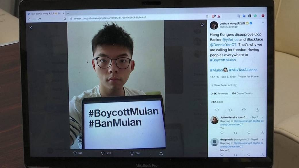 Click to play video 'Hong Kong activist encourages global boycott of 'Mulan' film'