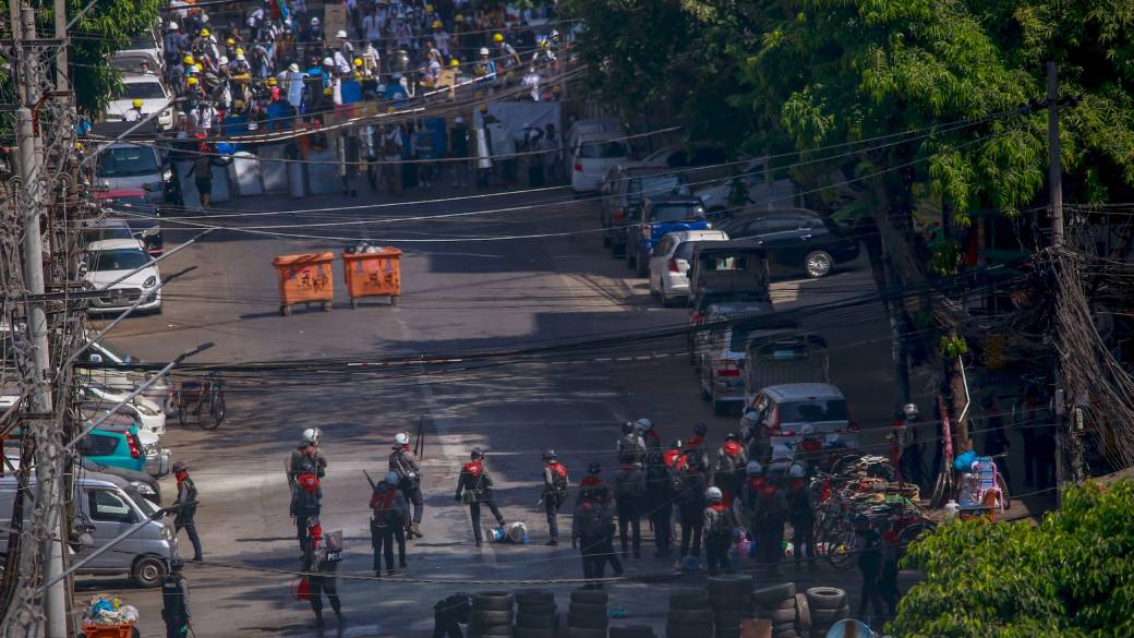 Click to play video 'Myanmar coup: Protesters return to streets after 38 killed in demonstrations'