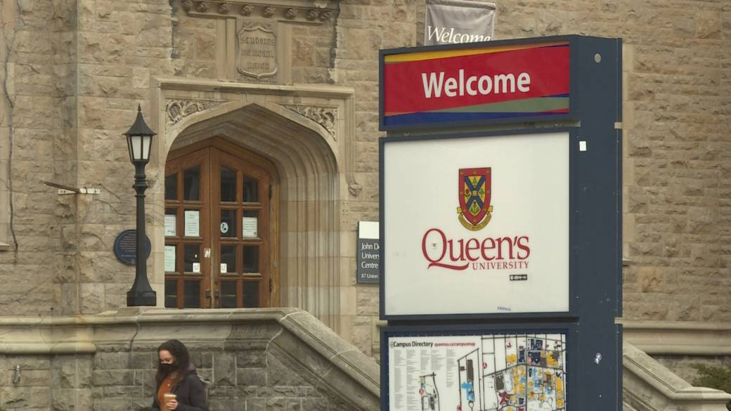 Click to play video: 'Queen's university responds to March 12 140 person gathering on Brock Street near the university campus'