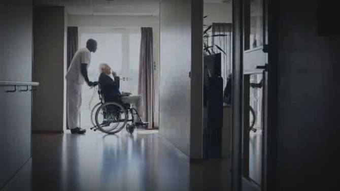 Click to play video: New report exposes failures in Canada's long-term care homes during first wave