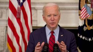 Biden praises police officer killed in Boulder, Colo. shootings as a 'true American hero' (01:12)