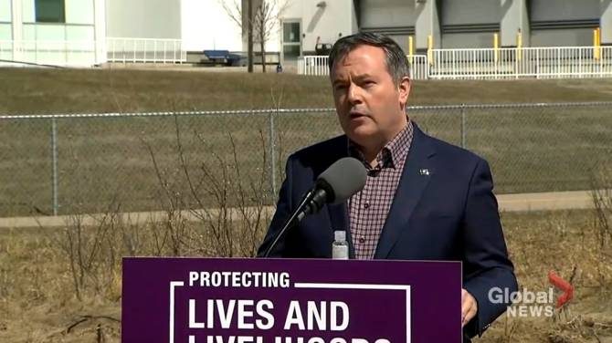 Click to play video: Kenney announces changes COVID-19 vaccine strategy to target hardest-hit communities