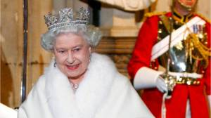 Queen's new outfits won't use real fur