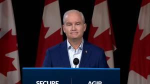 Canada election: O'Toole vows to raise penalties for gun crimes (00:25)