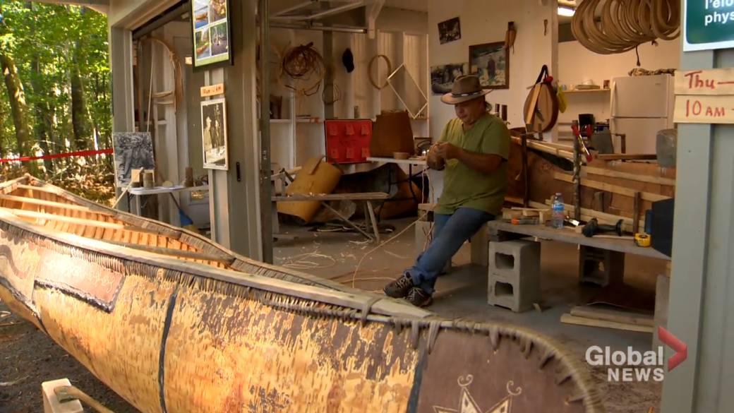 Click to play video 'Mi'kmaq culture kept alive through birch bark canoe builder'